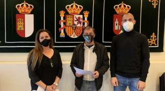 Ayuntamiento y club de pádel renuevan su convenio para la temporada 2021