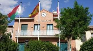 El Ayuntamiento de Quer entrega copia de las actas de las reuniones vecinales a los seteros