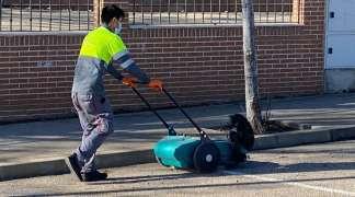 El Ayuntamiento de Quer lleva a cabo la limpieza integral del Polígono Industrial