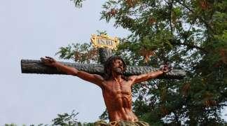Brillante celebración del Día del Cristo en Quer
